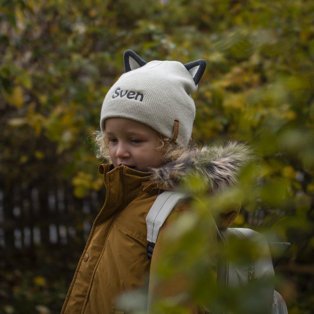Barnmössa med namn Raccoon - Rofa.se - Personliga presenter 132cde88e08f5